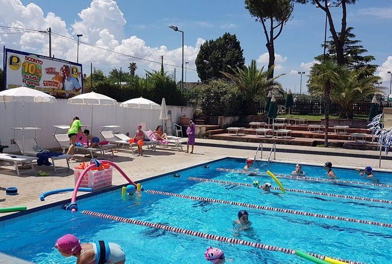 Tc New Country Frascati: da giugno i corsi estivi di nuoto (adulti e bambini) , acqua gym e acqua fitness